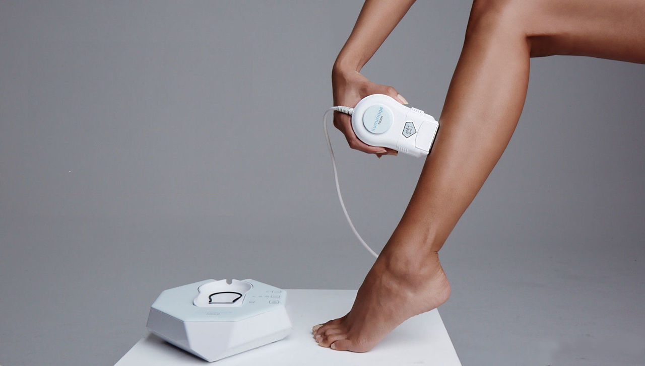 Iluminage Touch with 120,000 Flashes - Hair Removal Device